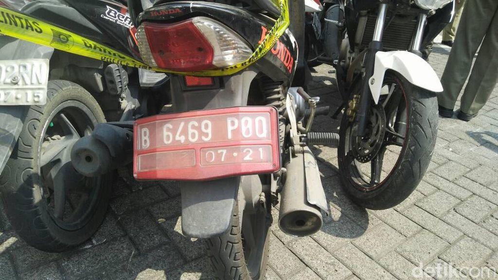 Ada Motor Pelat Merah di TKP Pesta Gay, Djarot: Cemarkan Nama Baik