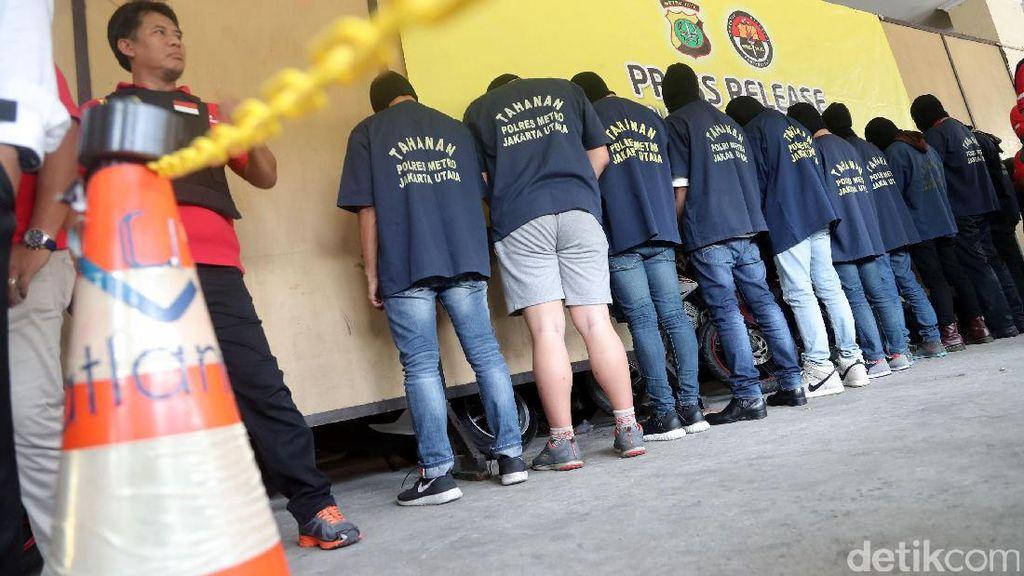 Polisi Cek Kondisi Medis dan Psikologis Peserta Pesta Gay