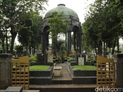 Potret Mausoleum Megah yang Tersembunyi di Petamburan