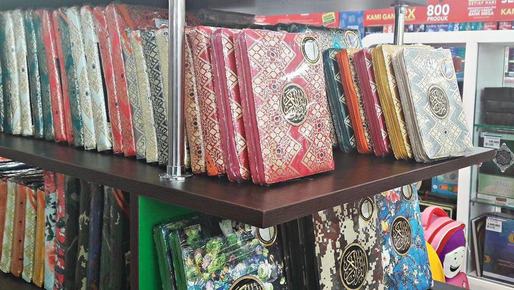 Promo Alat Ibadah Mulai Al-Quran Sampai Peci di Transmart Carrefour