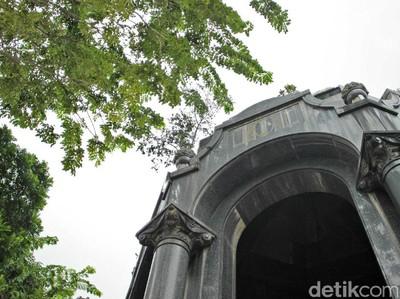 Mausoleum OG Khow di Petamburan, Megah Tapi Terlupakan
