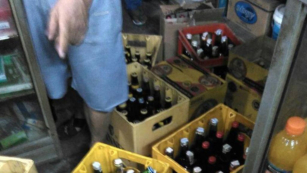 Gelar Razia Miras, Polsek Tebet Sita 112 Botol