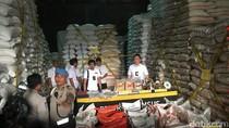 Polisi Sita 86 Ton Beras Kemasan Palsu di Gudang Kemayoran