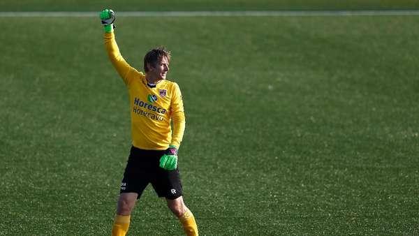 Meski Dekat dengan MU, Fokus Van der Sar Juara dengan Ajax