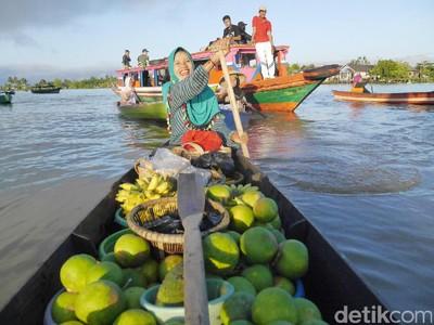 Foto-foto Pasar Terapung Banjarmasin, Kamu Sudah ke Sini?