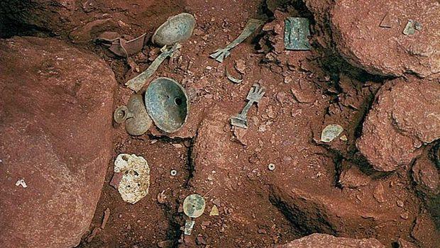 Sejumlah pot dan piring peninggalan ritual adat (okinoshima-heritage.jp)