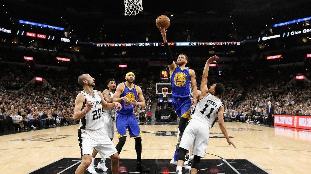 Warriors ke Final NBA Usai Sapu Bersih Kemenangan atas Spurs