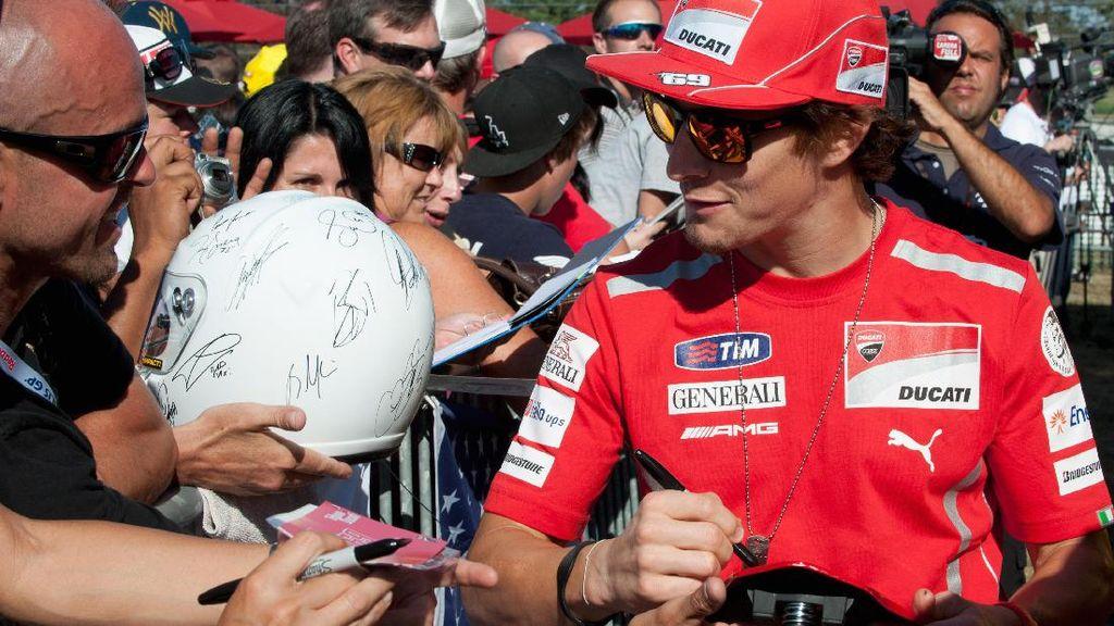 Nicky Hayden dan Kerumunan Besar di Indianapolis