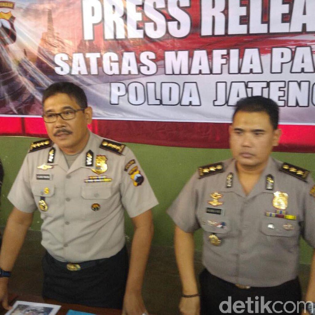 Ditangkap di Pagar Mapolda Jateng, MR Bawa Pisau dan Paku