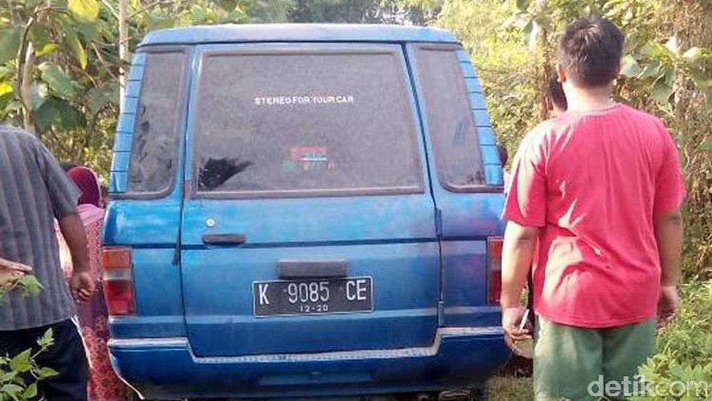 Polisi: Mobil Tersesat di Jalan Setapak Blora Sudah Dievakuasi