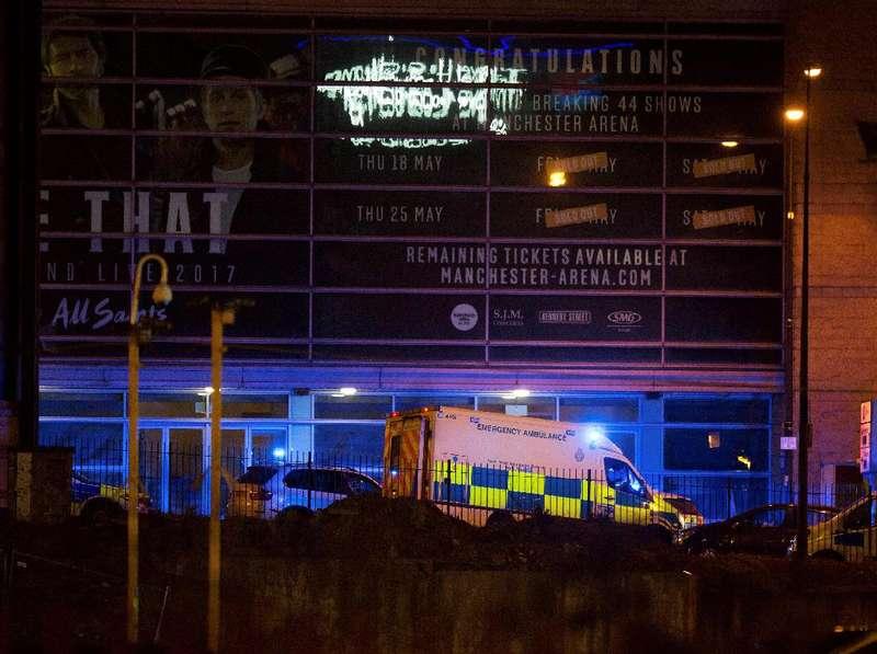 Tim Penjinak Bom Merapat ke Lokasi Ledakan di Manchester Arena