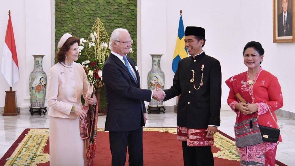Kunjungan ke Bandung, Raja Swedia dan Rombongan Naik Kereta