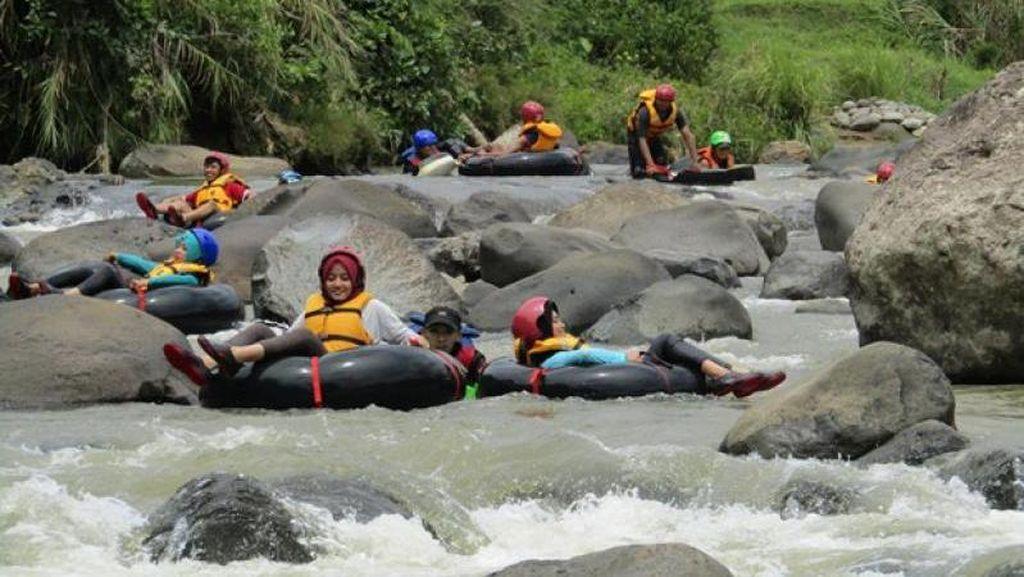 Asyiknya Main River Tubing Kalau Liburan ke Garut