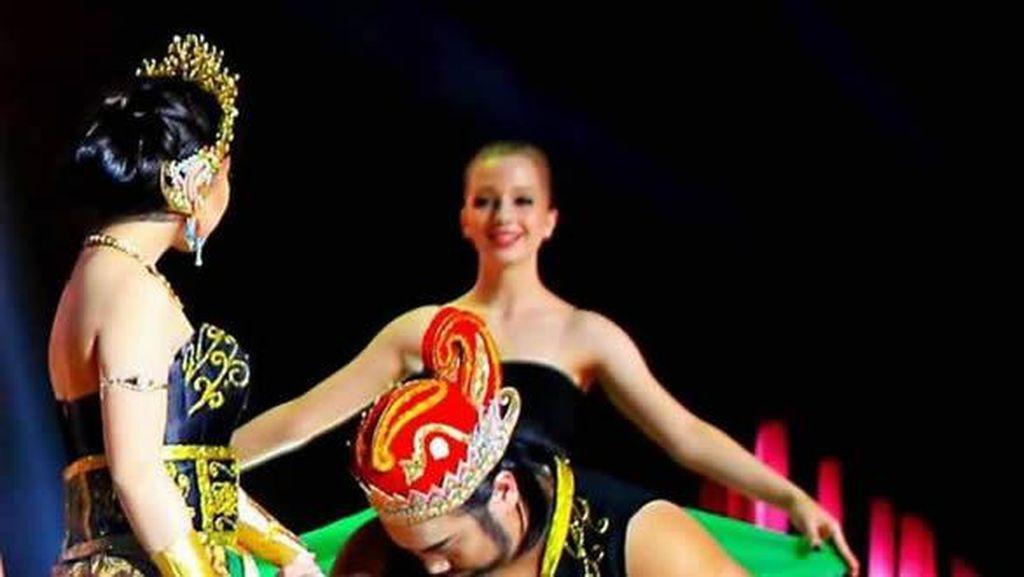 Drama Ken Arok Sukses Digelar di Festival Budaya Mahasiswa Harbin Tiongkok