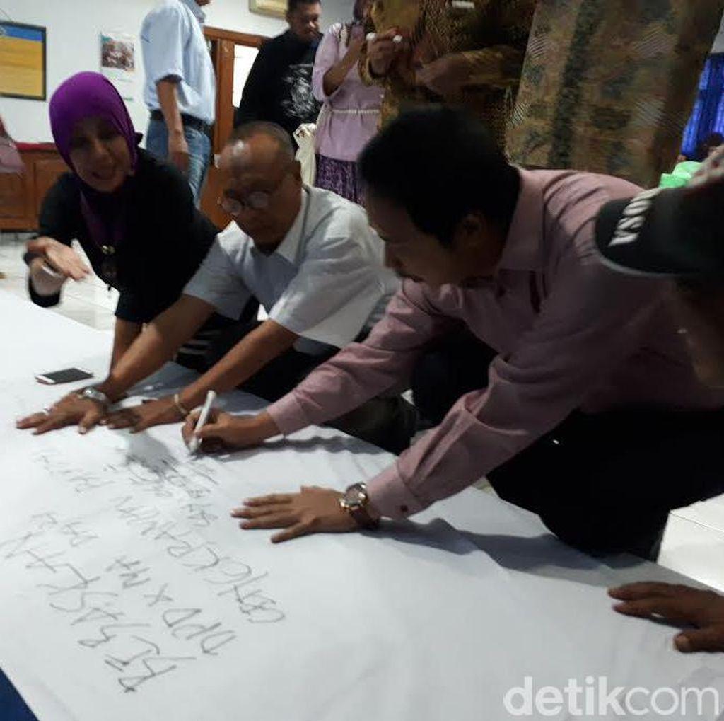 Dosen-Mahasiswa Unitomo Serukan Kembalikan Marwah MA dan DPD