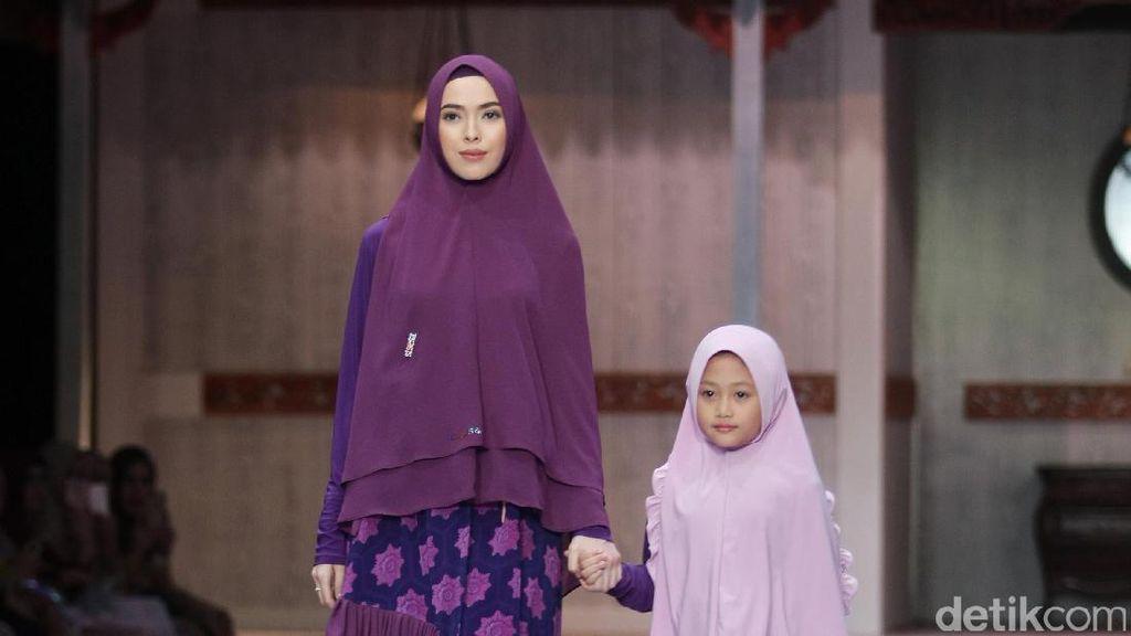 Si.Se.Sa Rilis Baju Muslim Syari untuk Kembar dengan Anak Saat Lebaran