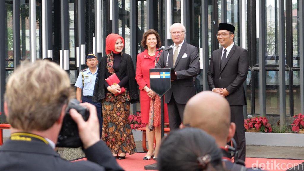 Sapa Warga di Alun-alun Bandung, Raja Swedia: I Love You All