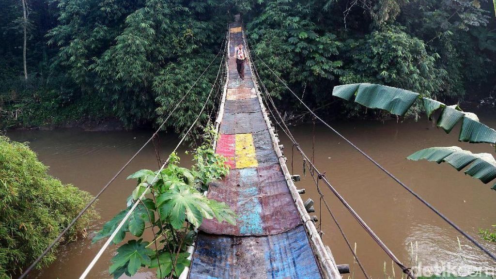 Jembatan Gantung Mengerikan di Lenteng Agung Jaksel