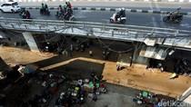 PKL Padati Kolong Flyover Kebayoran Lama