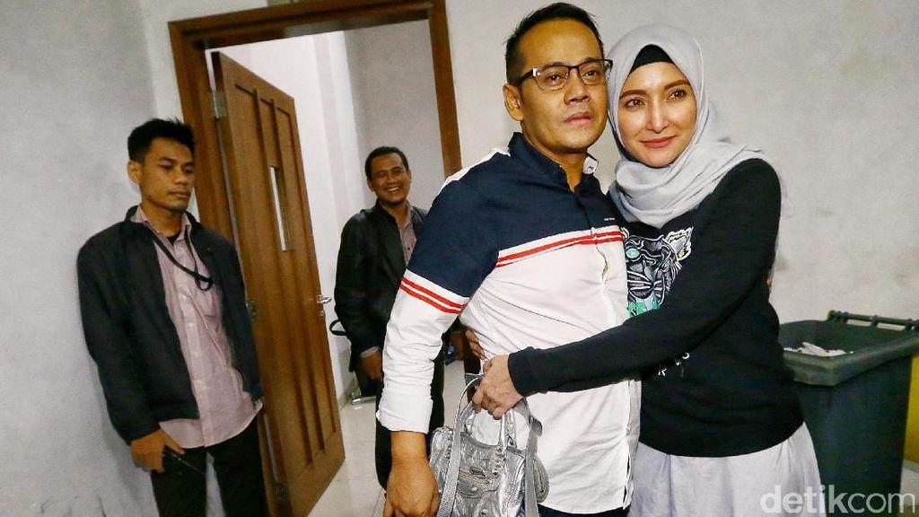 Kesedihan Inneke Koesherawati Jalani Ramadan Tanpa Suami