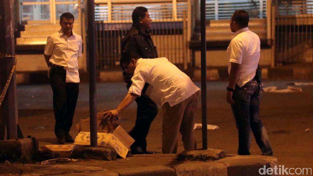 Polisi Olah TKP Ledakan Bom Kampung Melayu