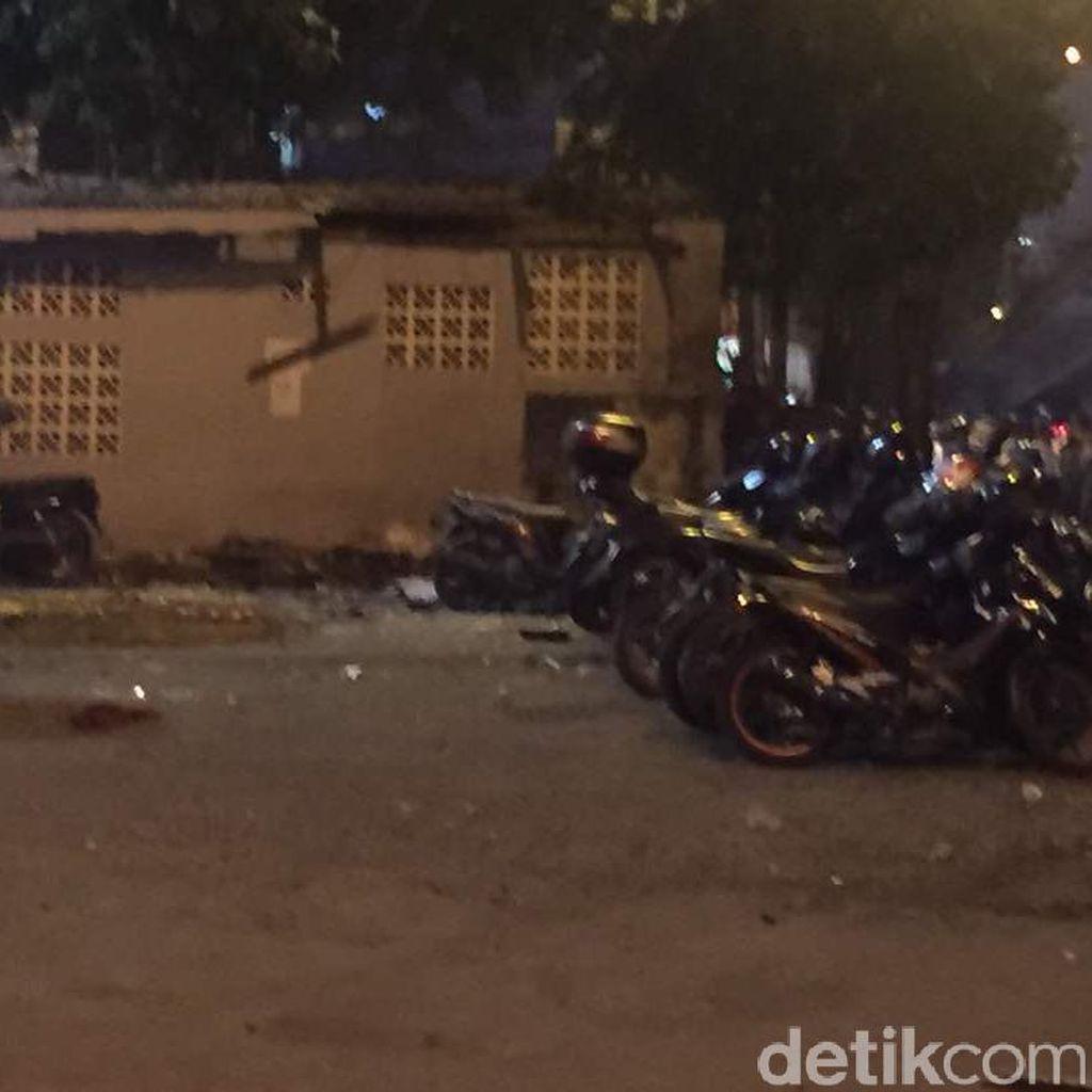 Ledakan di Kampung Melayu, Jalan Menuju Matraman Ditutup