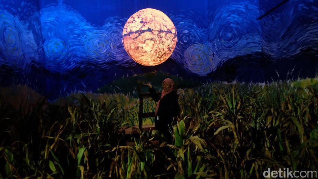 Melihat Film 'The Seen and Unseen' di Art Jog 10