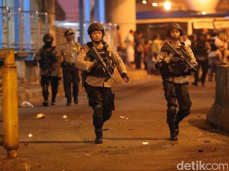 Bom Bunuh Diri Kampung Melayu: 2 Orang Tewas, 9 Lainnya Terluka