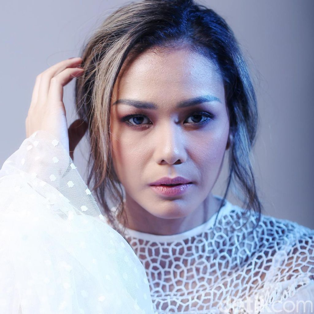 Sara Wijayanto Doakan Adinia Wirasti Jadi Sutradara