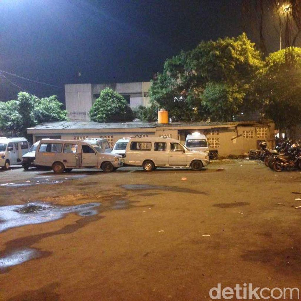 Berompi dan Helm, Kapolda Metro Tiba di TKP Ledakan Kampung Melayu