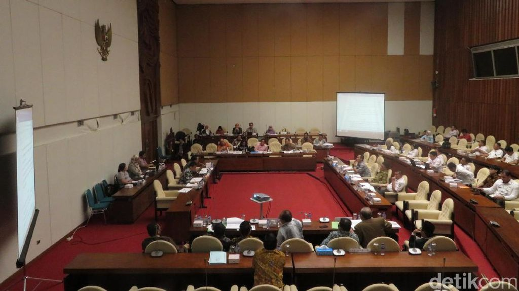 Pansus DPR dan Mendagri Kembali Rapat soal Capres Tunggal