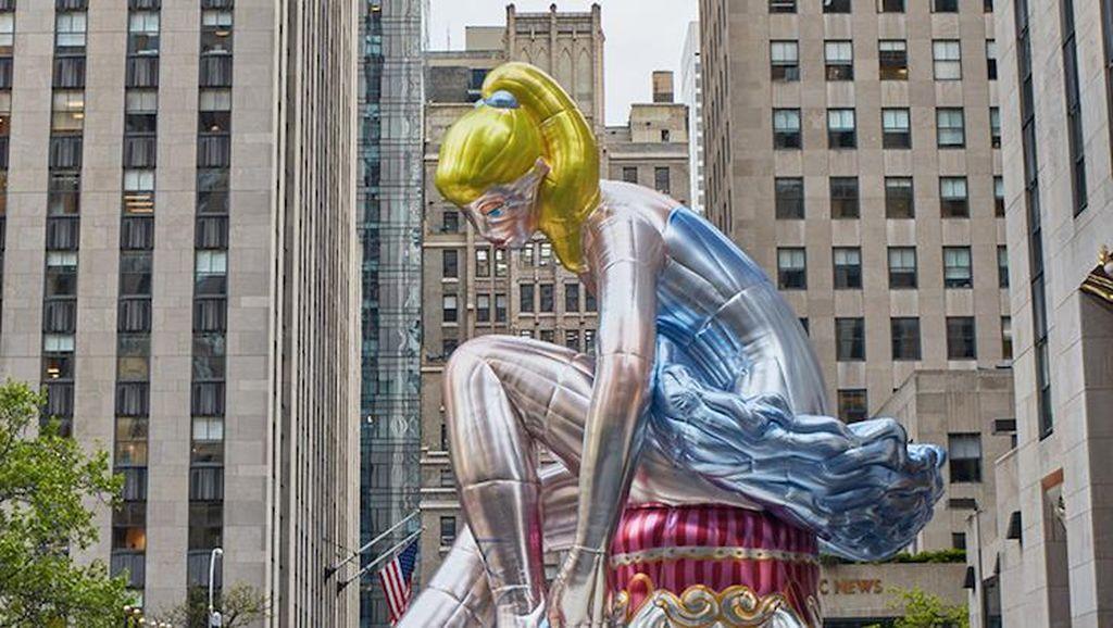 Jeff Koons Muncul dengan Patung Balon Balerina Setinggi 13 Meter