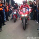 Foto Kenangan Nicky Hayden Saat Konvoi Bareng di Jakarta