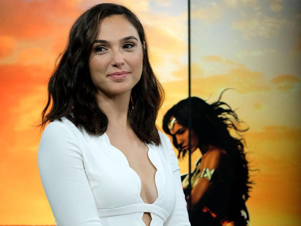 Gal Gadot, Sang Wonder Woman Anggun