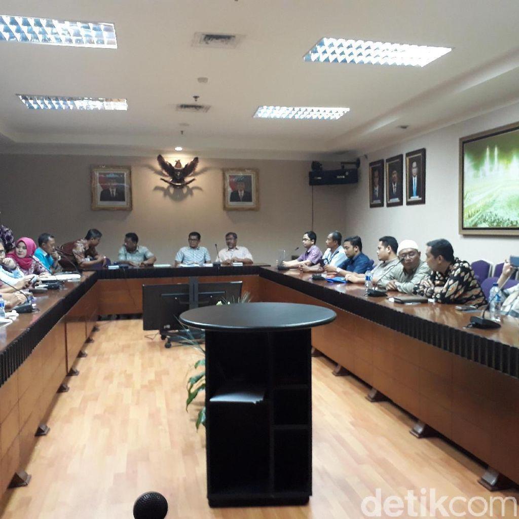 Di Kemenag, Jemaah Protes First Travel Masih Promo Umrah Murah