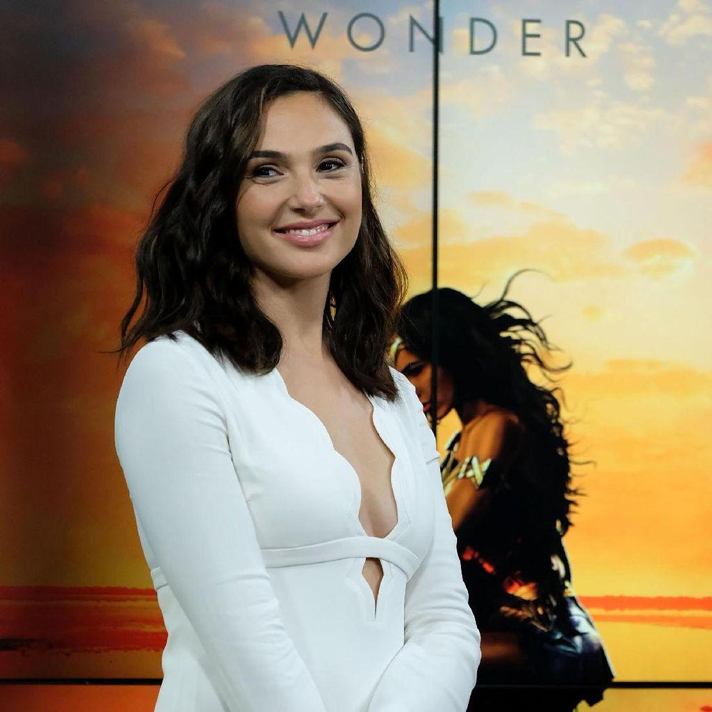 Gal Gadot Awalnya Tak Tahu Diminta Perankan Wonder Woman