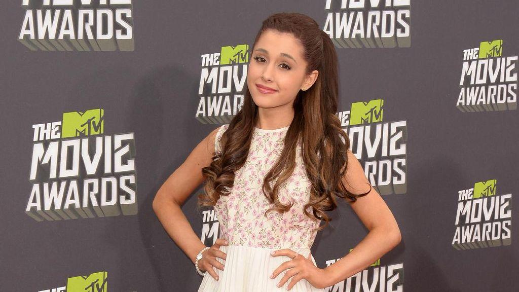 Pasca Ledakan di Manchester, Ariana Grande Tulis Surat Menyentuh