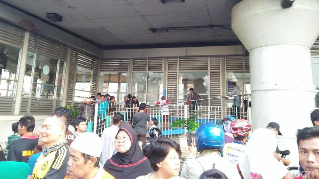 Pasca Bom, Halte TransJ Kampung Melayu Belum Beroperasi