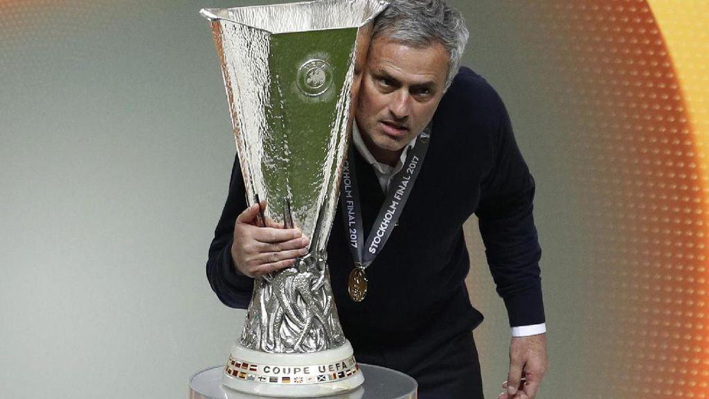 Musim Perdana MU Bareng Mourinho Pasti Bikin Sejumlah Klub Cemburu
