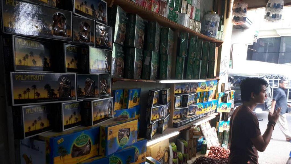 Pedagang Kurma Tanah Abang Kantongi Omzet Rp 8 Juta/Hari Jelang Ramadan