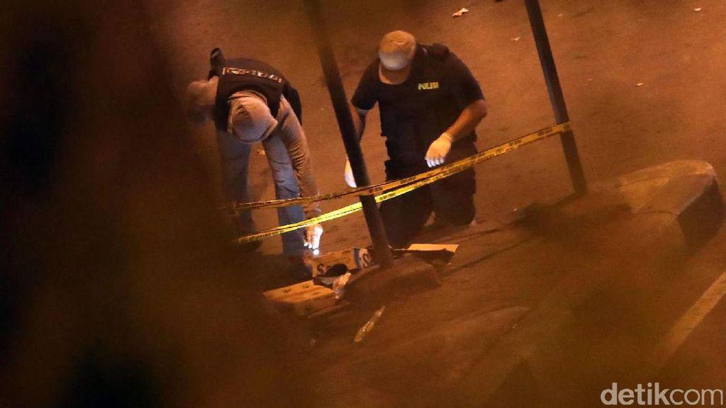 Polisi Olah TKP Bom Kampung Melayu