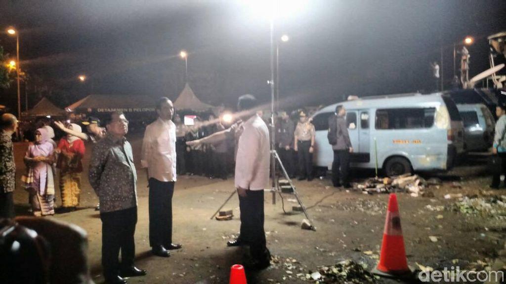 Di Kampung Melayu, Jokowi-JK Tinjau Titik Ledakan Bom