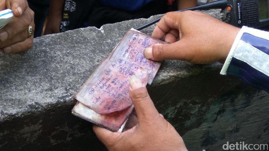 Polisi Teliti Catatan yang Ditemukan di Lokasi Bom Kampung Melayu