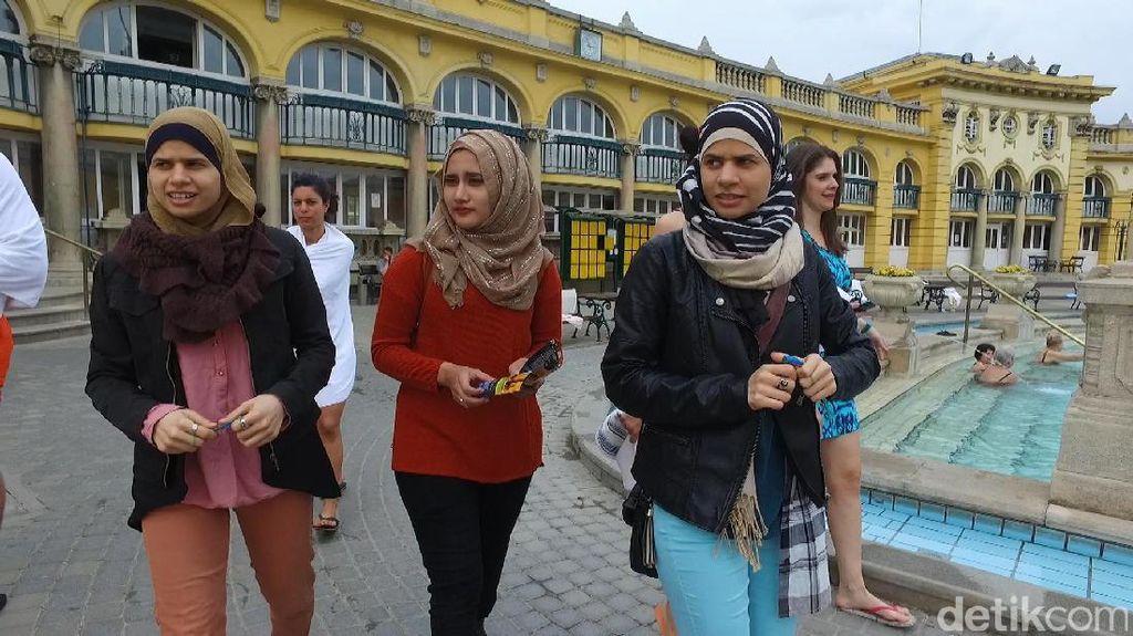 Menelusuri Jejak Islam Bersama Muslimah Kembar di Pecs Hungaria