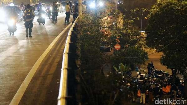 Sempat Ditutup, Lalin Kampung Melayu Menuju Matraman Kembali Dibuka