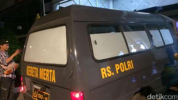 IGD RS Premier Dijaga Ketat Aparat Polisi