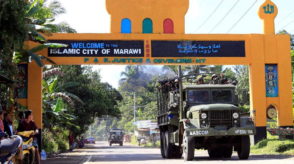 Duterte Minta Militer Filipina Total Perangi Militan di Marawi