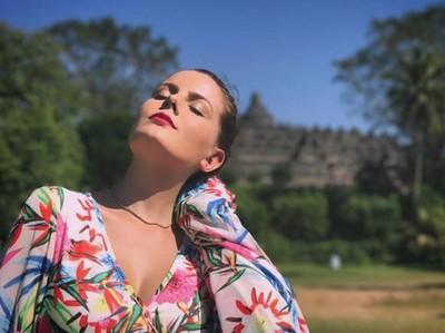 Rake Martinez, Selebgram Cantik Panama yang Terkesan dengan Indonesia