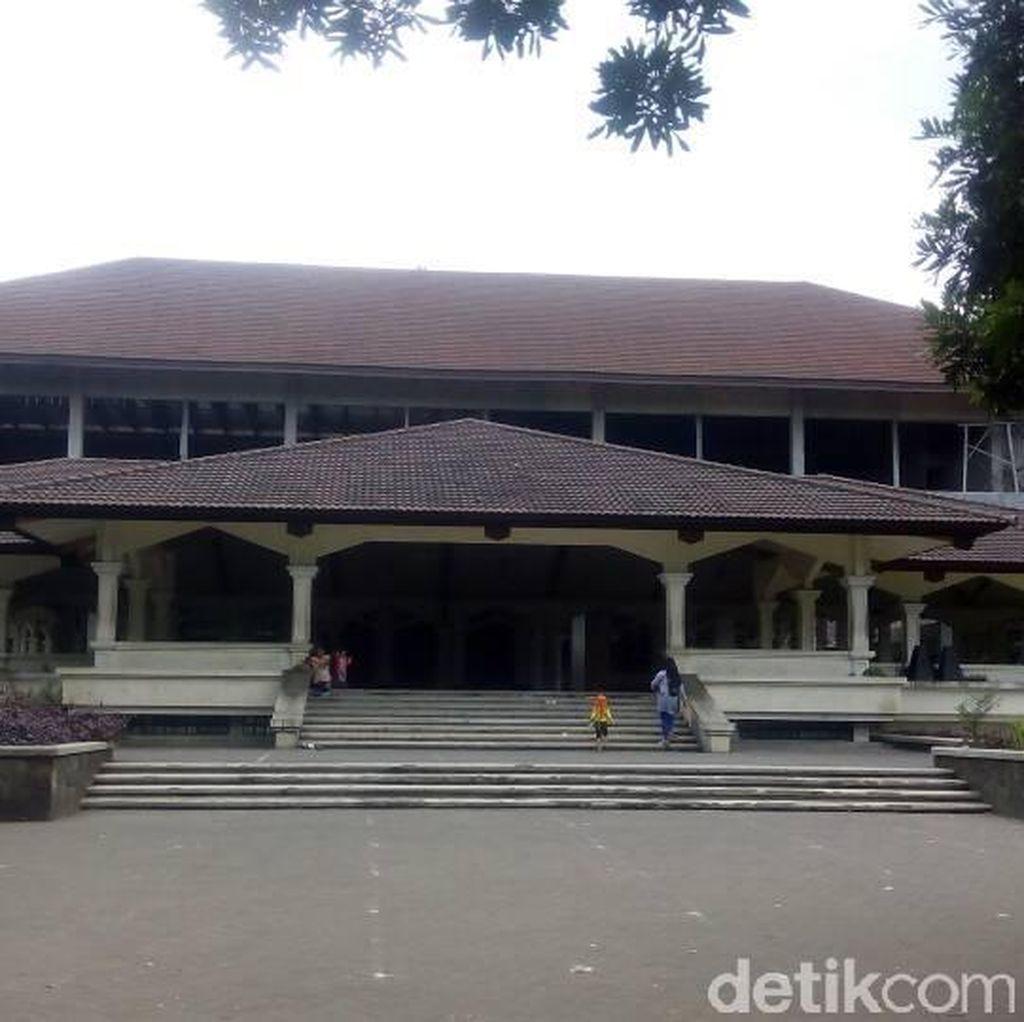 Masjid PT DI Gelar Kursus Bahasa Arab, Izinkan Jemaah Iktikaf Kemah