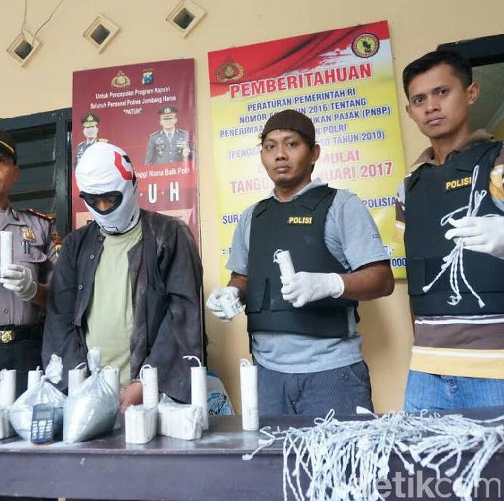 Pembuat Petasan di Jombang Diringkus, 2 Kg Bubuk Peledak Disita